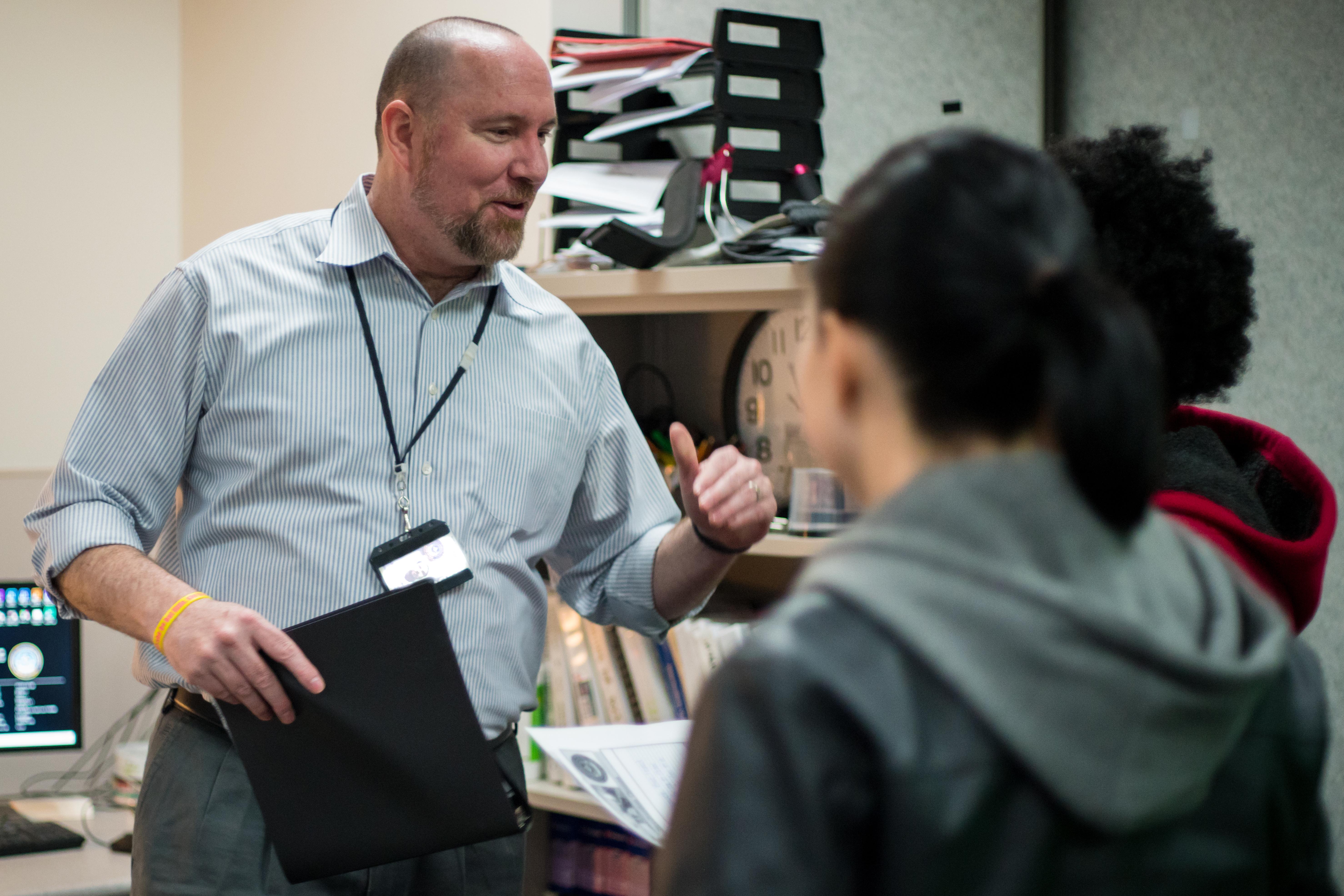 Civilian of Quarter inspires students to be better storytellers